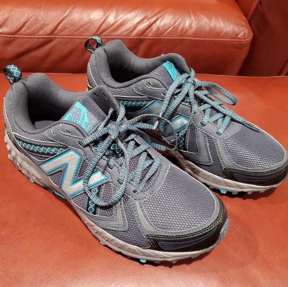 new balance trail running shoes women